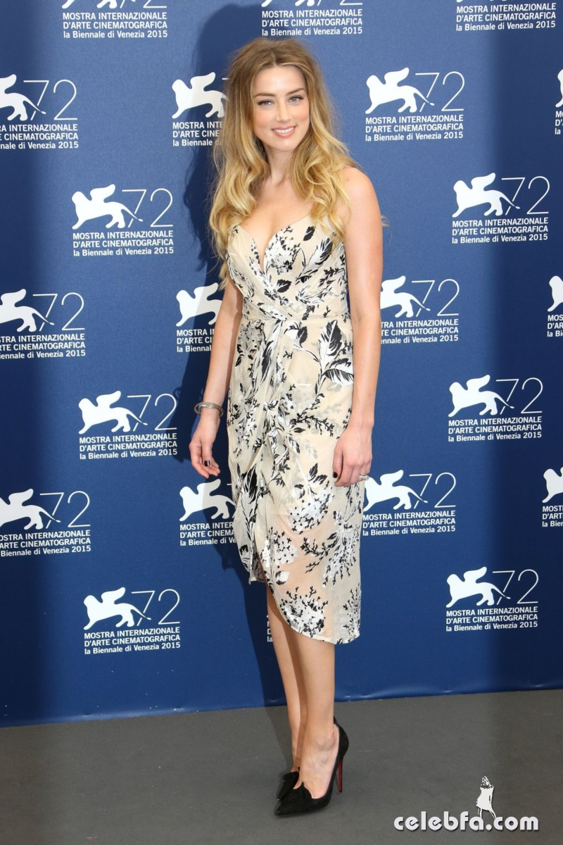 amber-heard-at-the-danish-girl-photocall-at-2015-venice-film-festival-2015 (10)