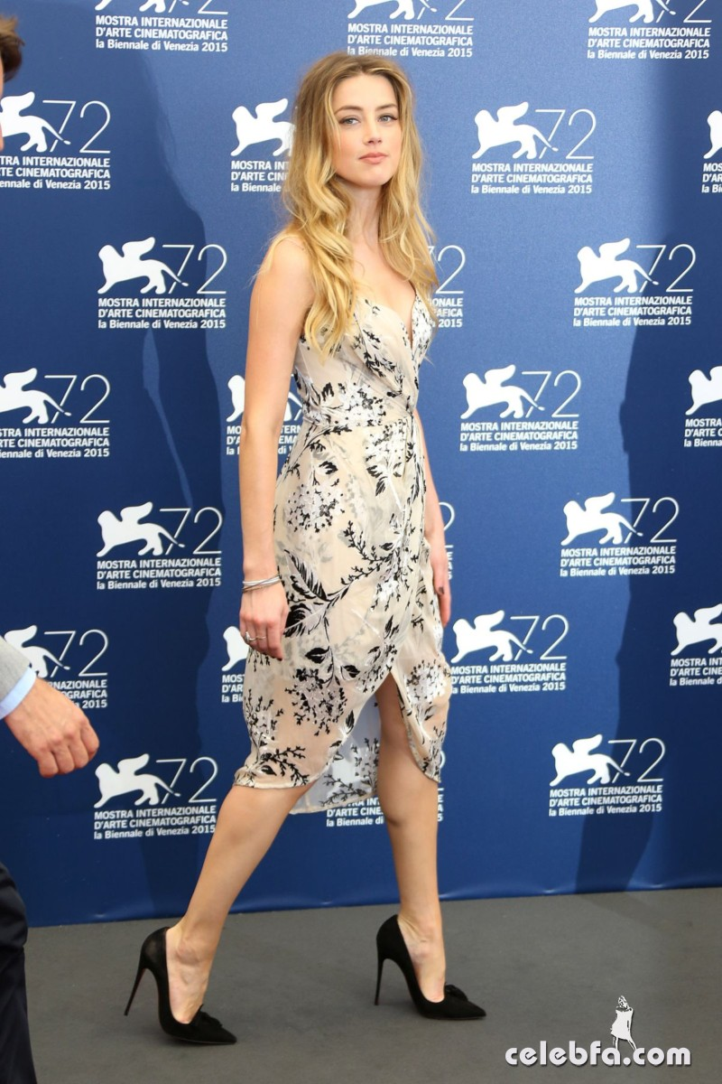 amber-heard-at-the-danish-girl-photocall-at-2015-venice-film-festival-2015 (11)