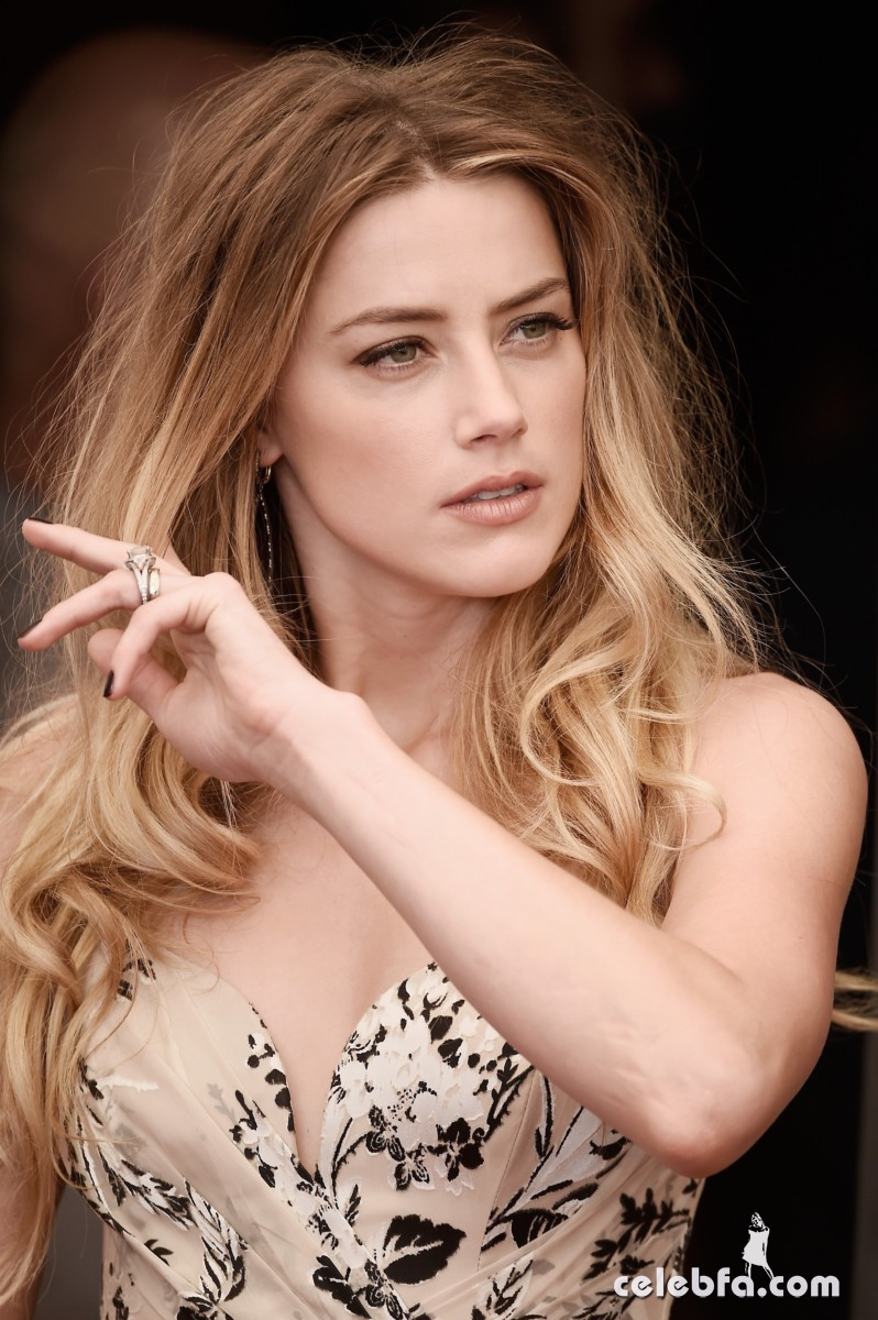 amber-heard-at-the-danish-girl-photocall-at-2015-venice-film-festival-2015 (5)