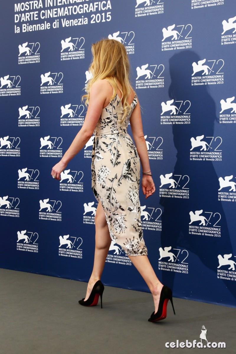 amber-heard-at-the-danish-girl-photocall-at-2015-venice-film-festival-2015 (6)