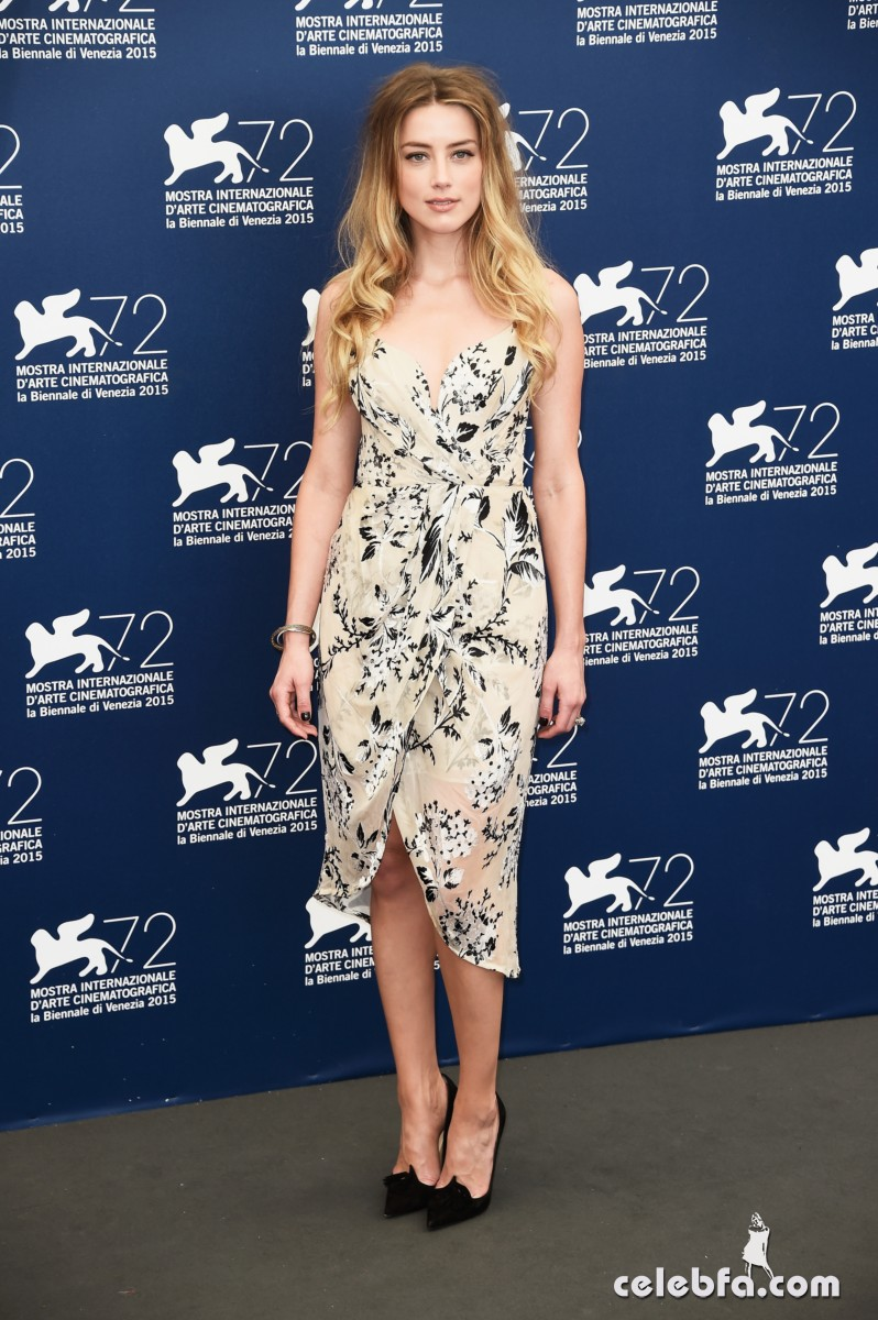 amber-heard-at-the-danish-girl-photocall-at-2015-venice-film-festival-2015 (7)