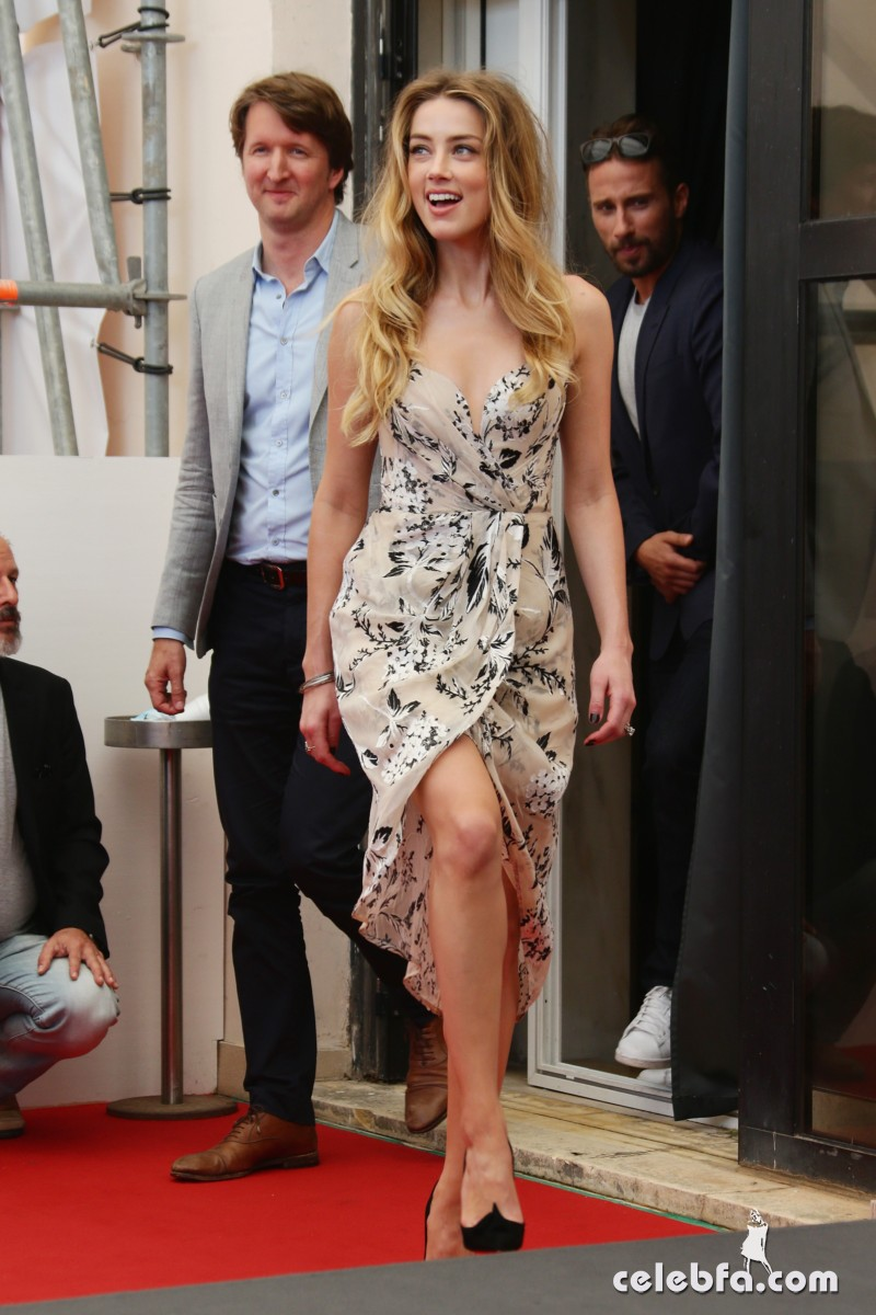 amber-heard-at-the-danish-girl-photocall-at-2015-venice-film-festival-2015 (8)