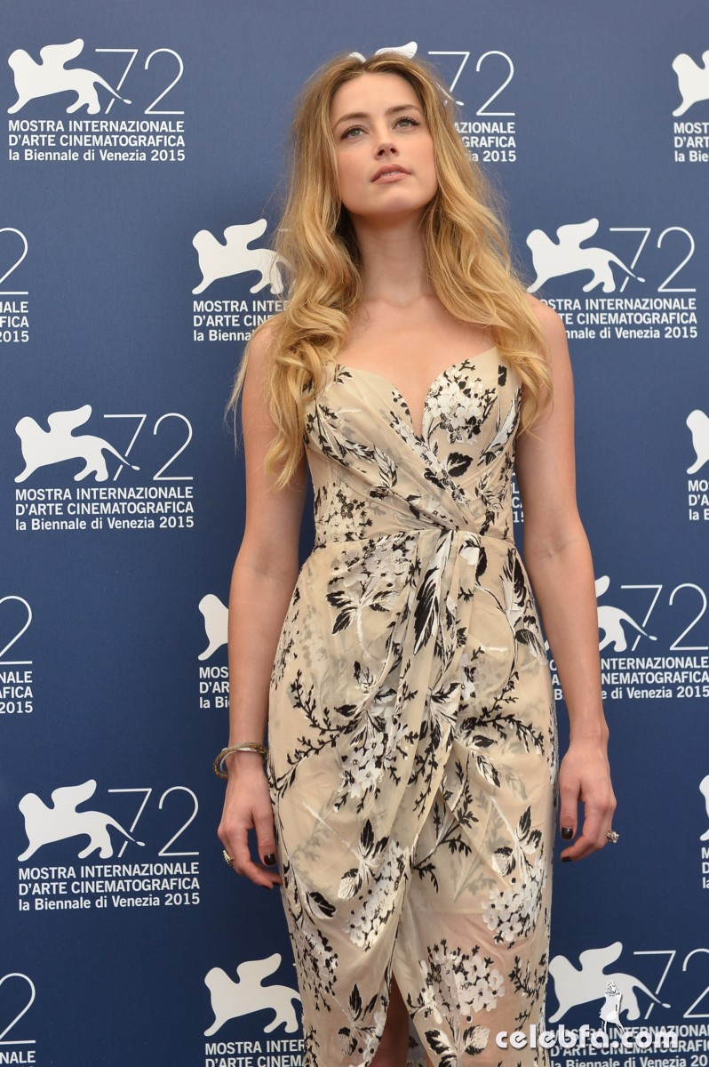 amber-heard-at-the-danish-girl-photocall-at-2015-venice-film-festival-2015 (9)