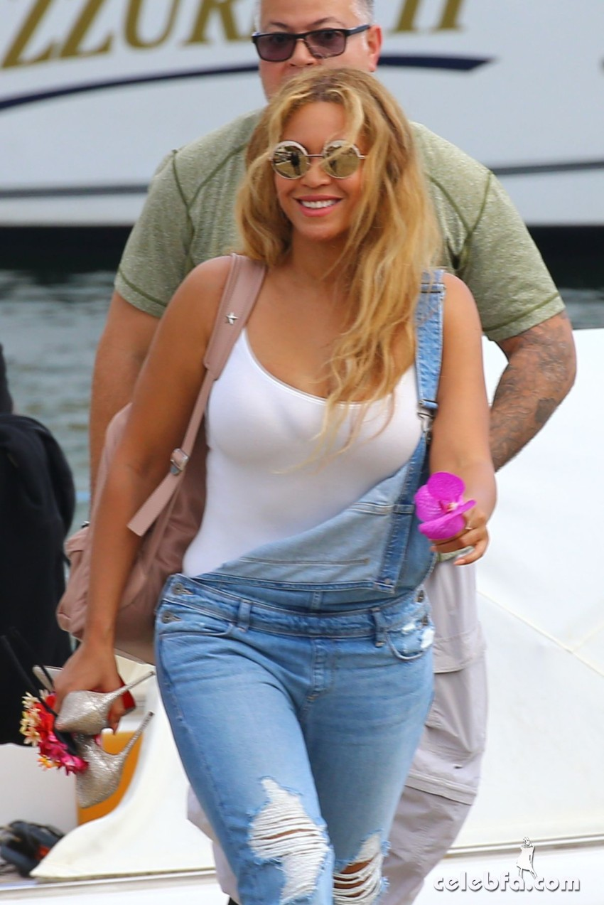 beyonce-knowless-out-in-beaulieu-sur-mer (1)