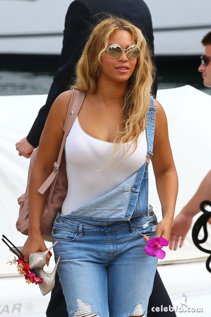 beyonce-knowless-out-in-beaulieu-sur-mer (4)