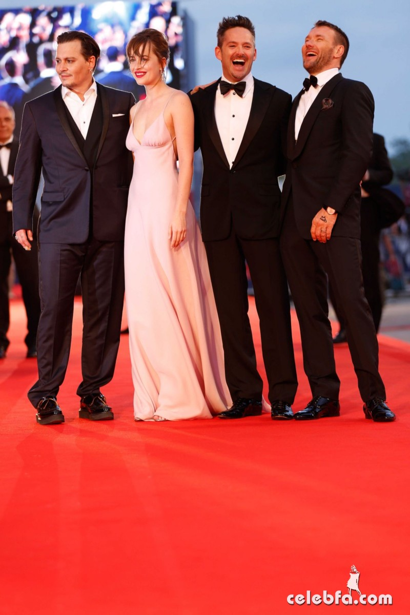 dakota-johnson-at-black-mass-premiere-at-72nd-venice-film-festival (8)