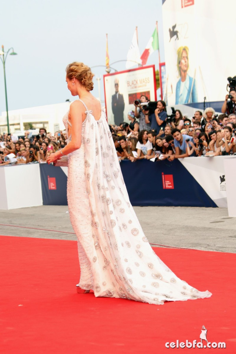 diane-kruger-at-72nd-venice-film-festival-opening-ceremony (4)