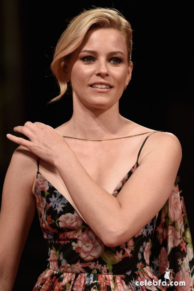 elizabeth-banks-at-beasts-of-no-nation-premiere-at-2015-venice (5)