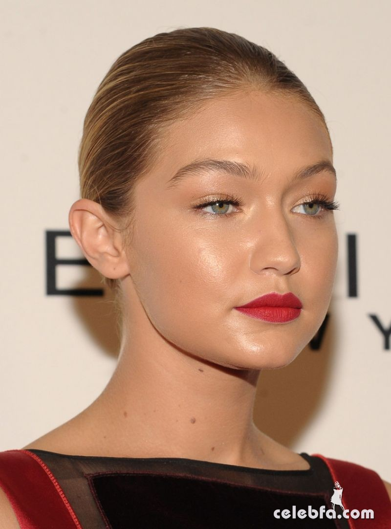 gigi-hadid-at-daily-front-row-3rd-annual-fashion-media-awards-in-new-york (3)