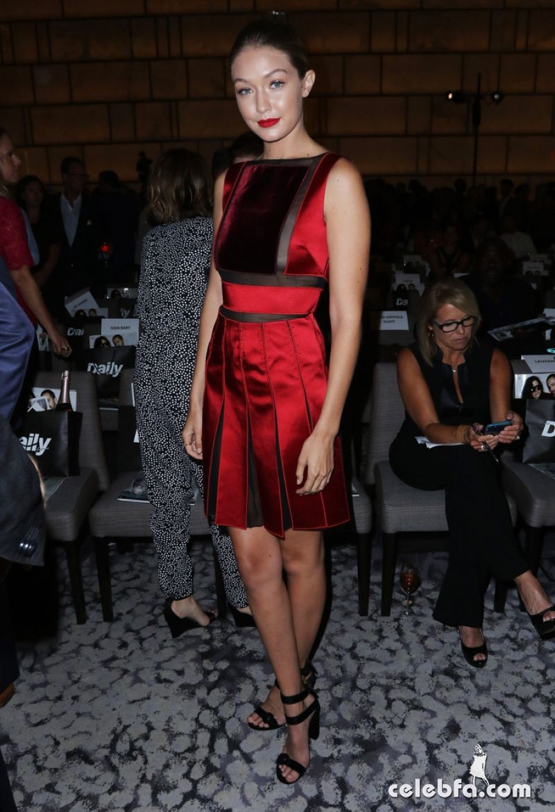 gigi-hadid-at-daily-front-row-3rd-annual-fashion-media-awards-in-new-york (5)