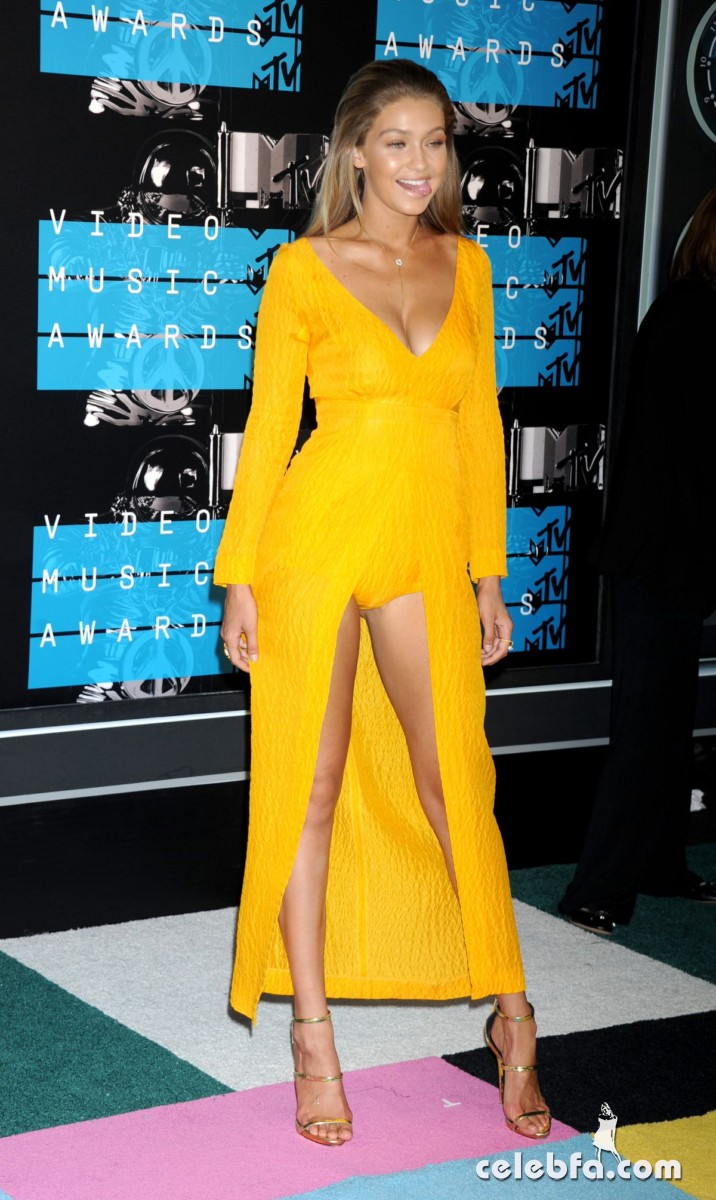 gigi-hadid-at-mtv-video-music-awards-2015 (6)