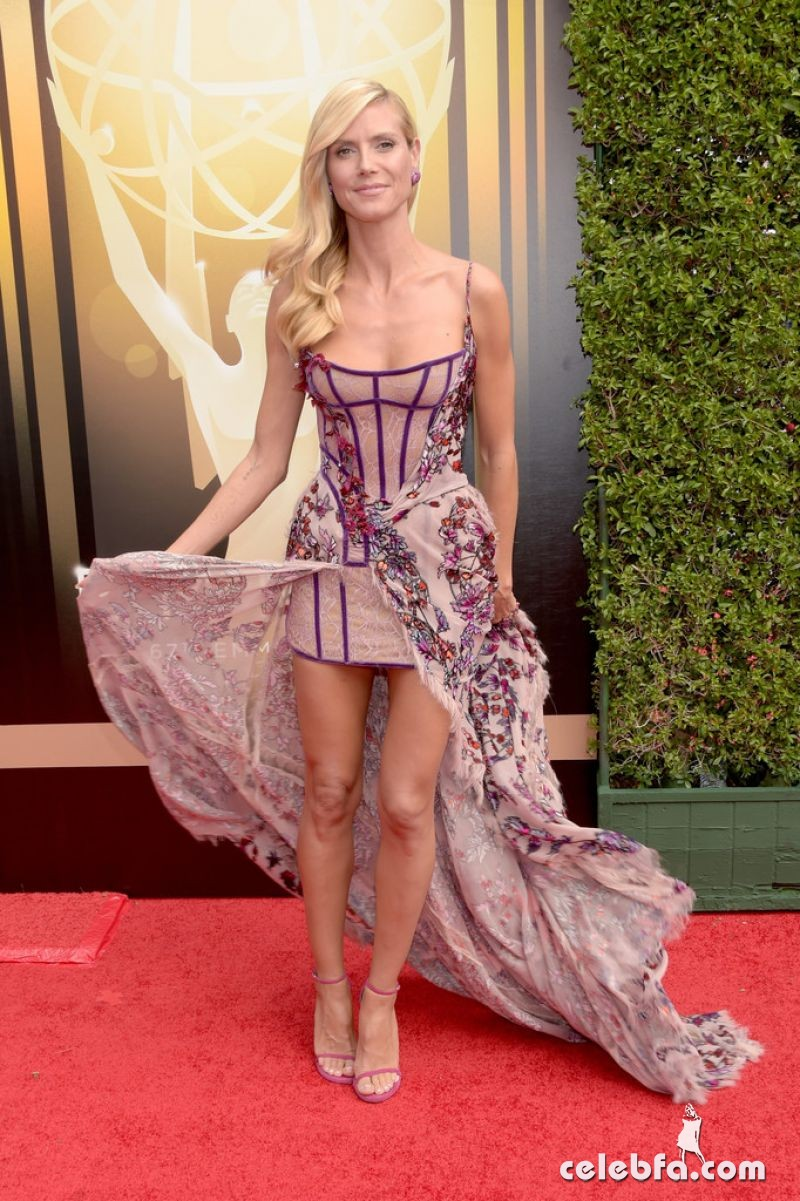 heidi-klum-at-2015-creative-arts-emmy-awards-in-los-angeles (1)