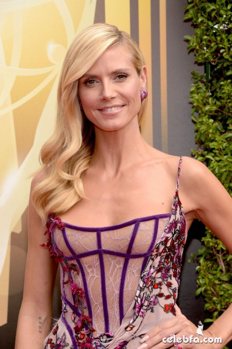 heidi-klum-at-2015-creative-arts-emmy-awards-in-los-angeles (4)