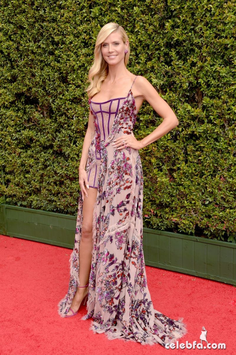 heidi-klum-at-2015-creative-arts-emmy-awards-in-los-angeles (6)