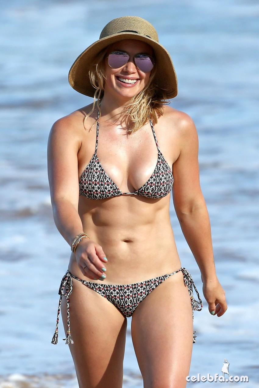 Hilary Duff's Bikini Body (1)