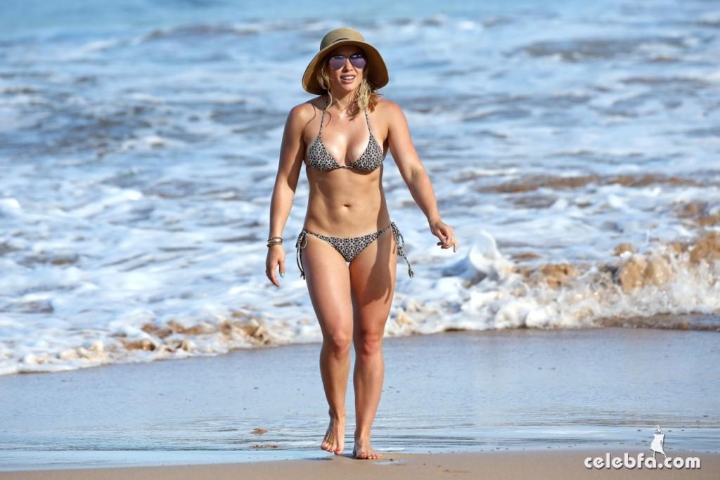 Hilary Duff's Bikini Body (3)