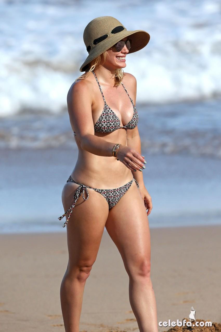 Hilary Duff's Bikini Body (8)