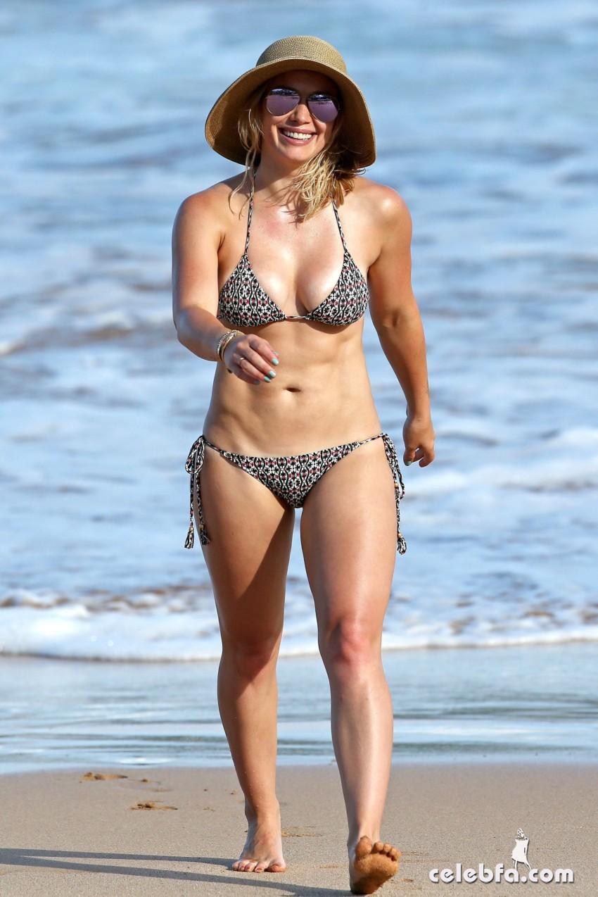 Hilary Duff's Bikini Body (9)