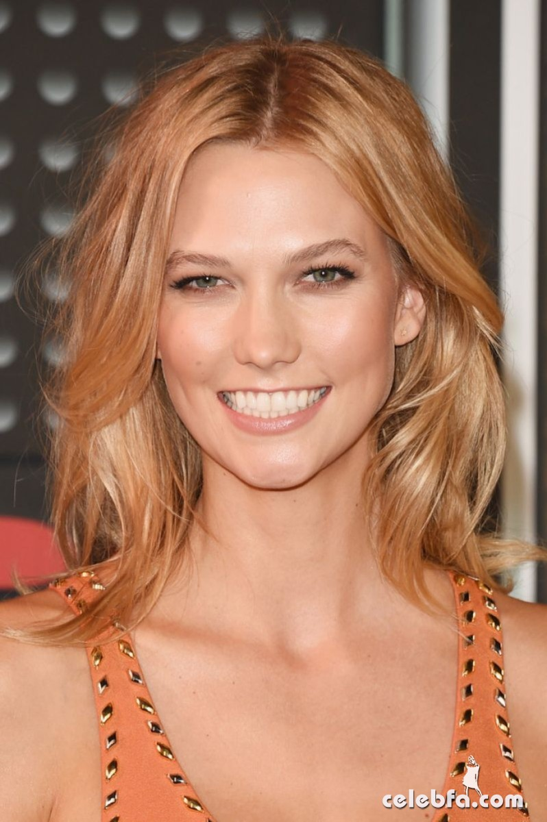 karlie-kloss-at-mtv-video-music-awards-2015 (1)