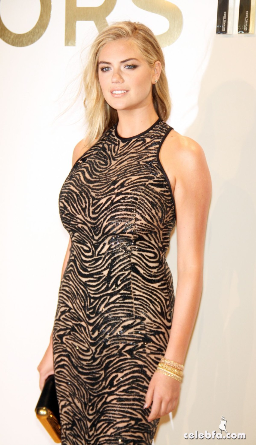 kate-upton-at-gold-collection-fragrance-launch-by-michael-kors-in-new-york (1)