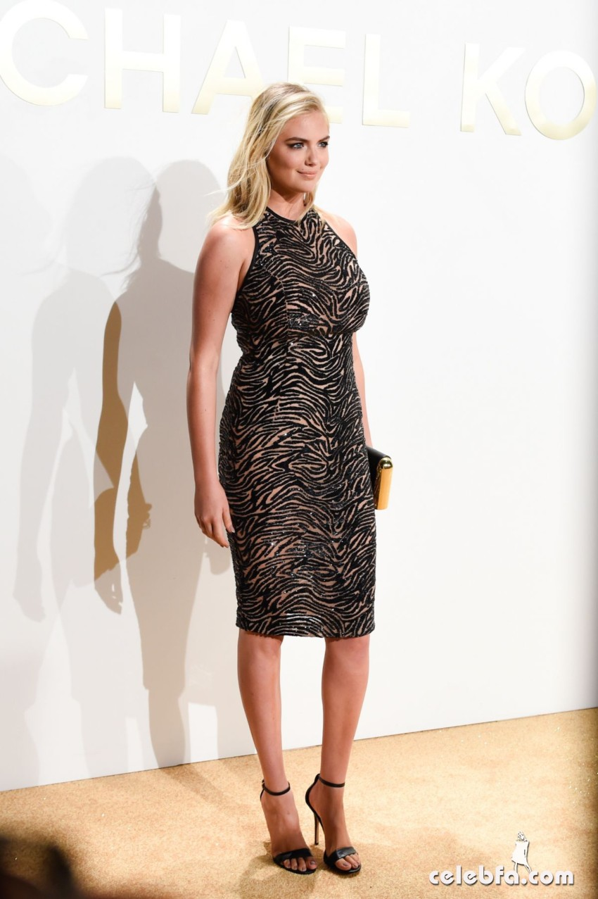 kate-upton-at-gold-collection-fragrance-launch-by-michael-kors-in-new-york (6)