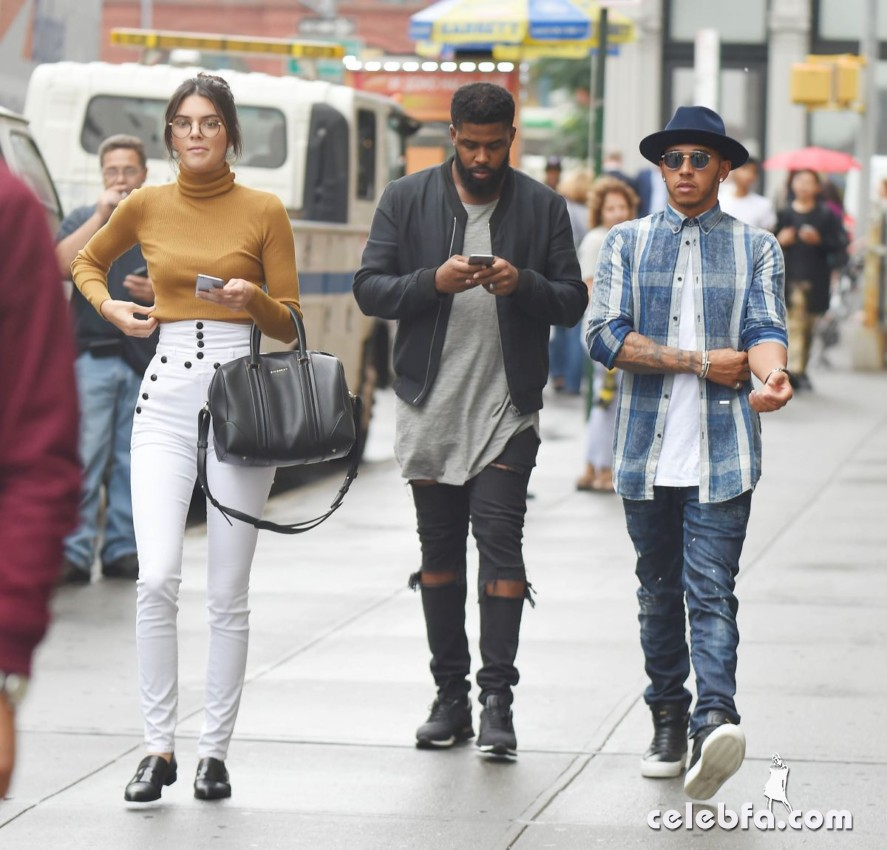 kendall-jenner-out-in-new-york (2)