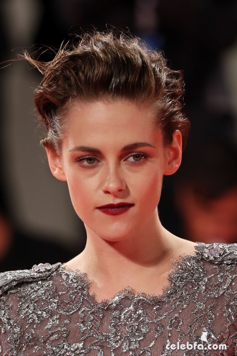 VENICE, ITALY - SEPTEMBER 05: Kristen Stewart attends the premiere of 'Equals' during the 72nd Venice Film Festival at Sala Grande on September 5, 2015 in Venice, Italy. (Photo by Franco Origlia/Getty Images)