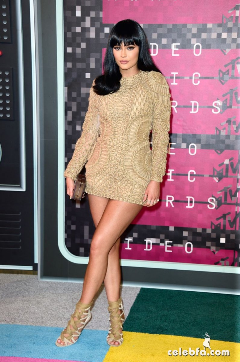 kylie-jenner-at-mtv-video-music-awards-2015 (2)