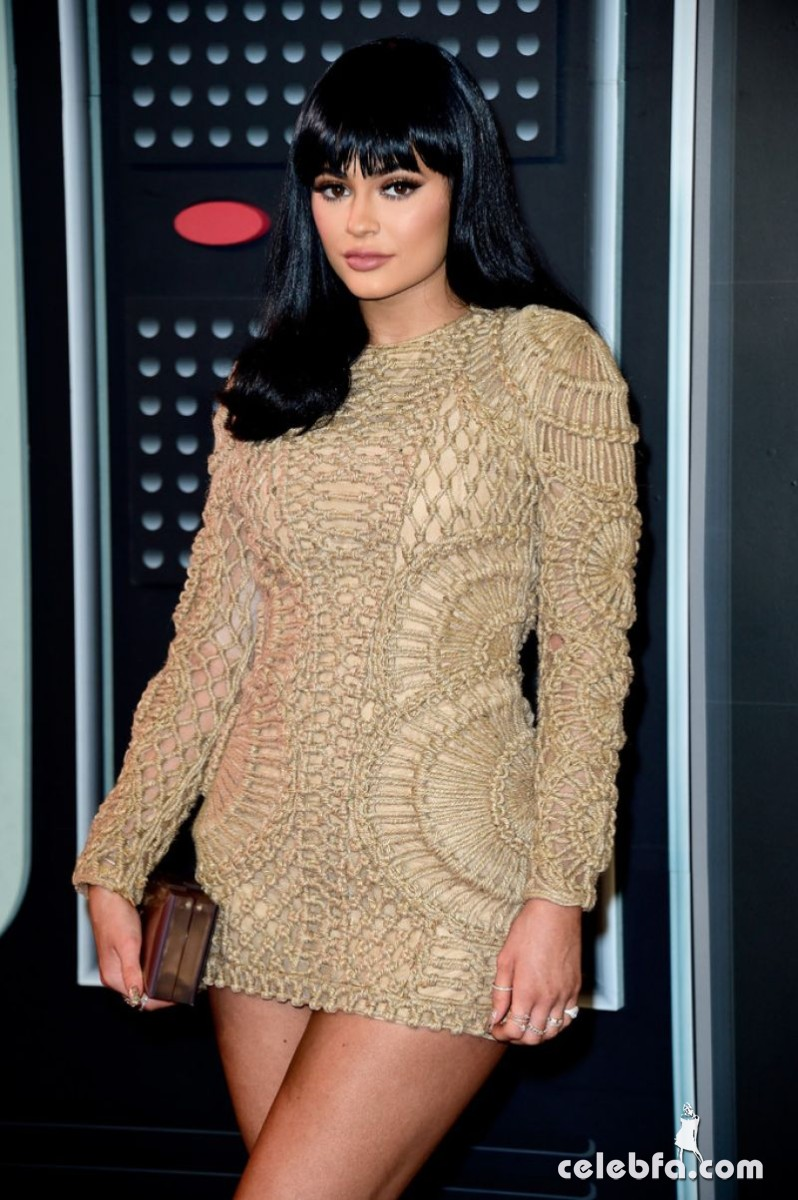 kylie-jenner-at-mtv-video-music-awards-2015 (7)