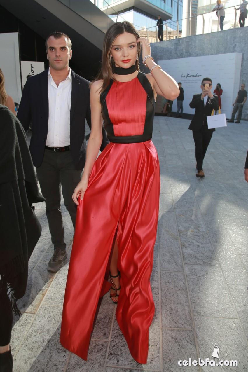 miranda-kerr-at-la-koriador-fashion-show-at-milan-fashion-week (16)