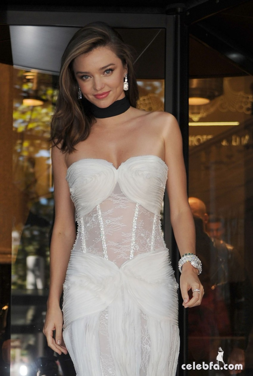 miranda-kerr-at-la-koriador-fashion-show-at-milan-fashion-week (2)