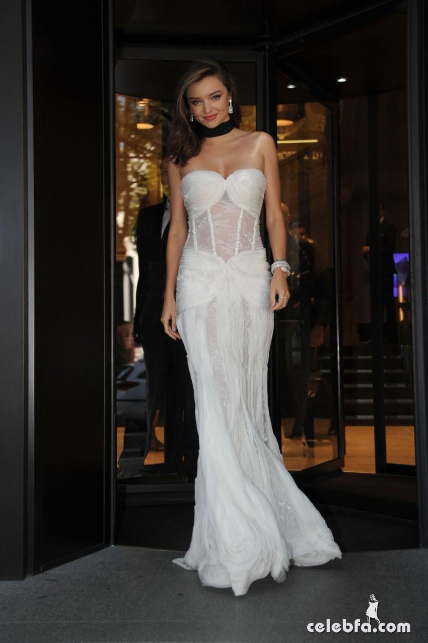 miranda-kerr-at-la-koriador-fashion-show-at-milan-fashion-week (3)