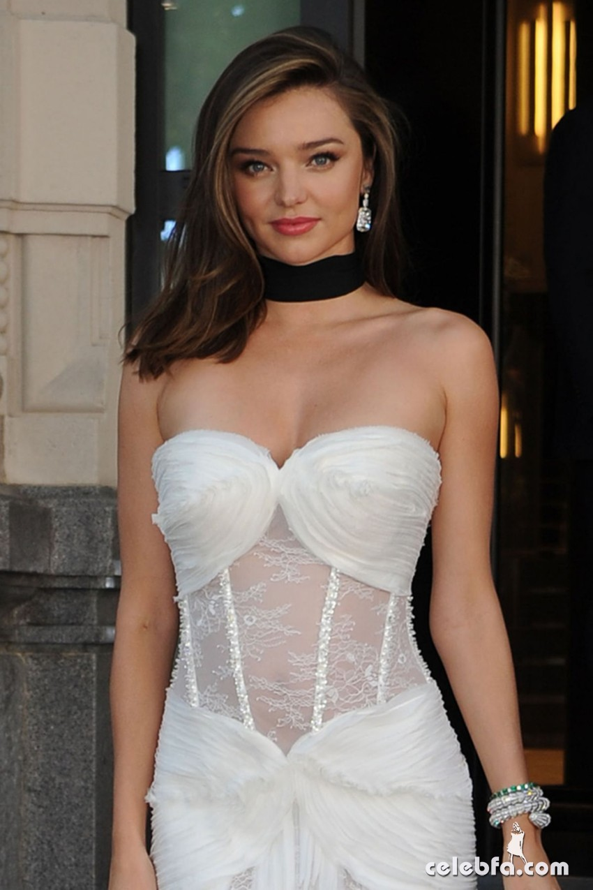 miranda-kerr-at-la-koriador-fashion-show-at-milan-fashion-week (7)