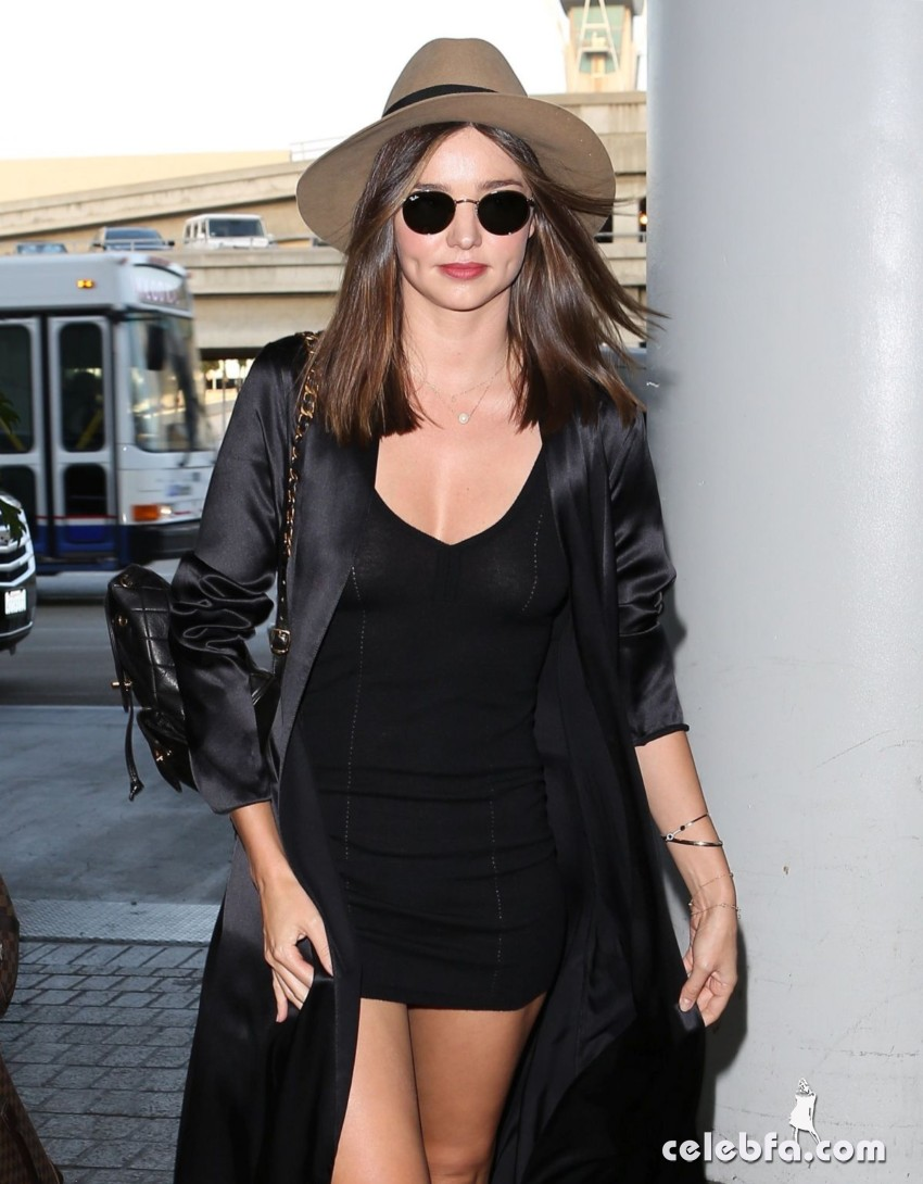 miranda-kerr-at-los-angeles-international-airport (1)
