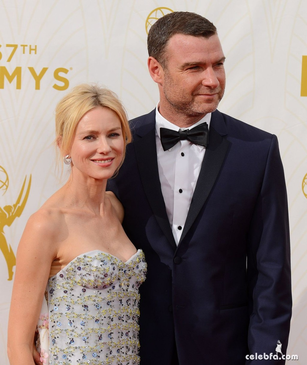 naomi-watts-at-2015-emmy-awards (2)