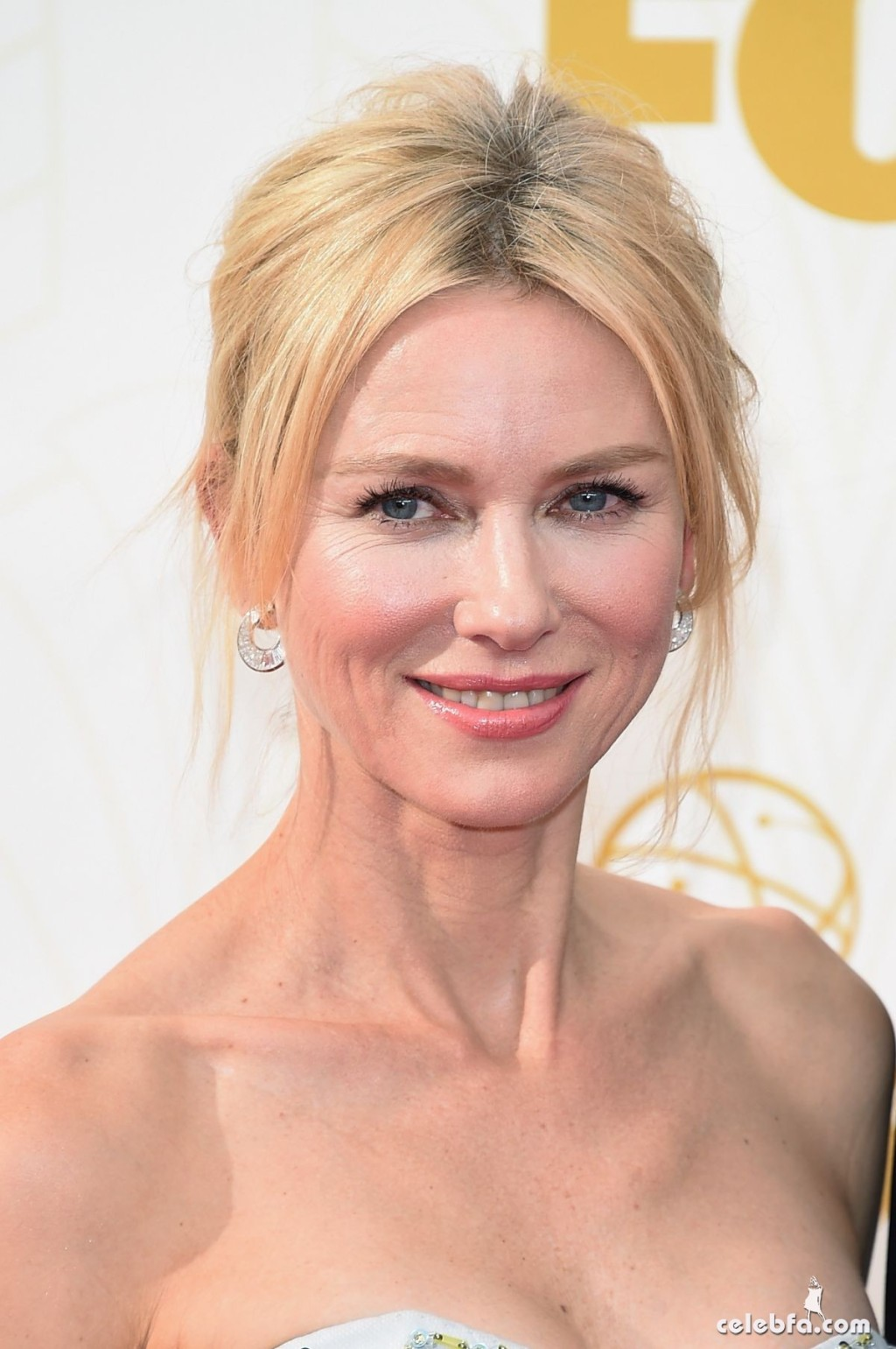 naomi-watts-at-2015-emmy-awards (6)