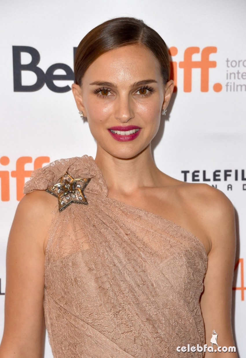 natalie-portman-at-a-tale-of-love-and-darkness-premiere-at-2015-toronto (1)