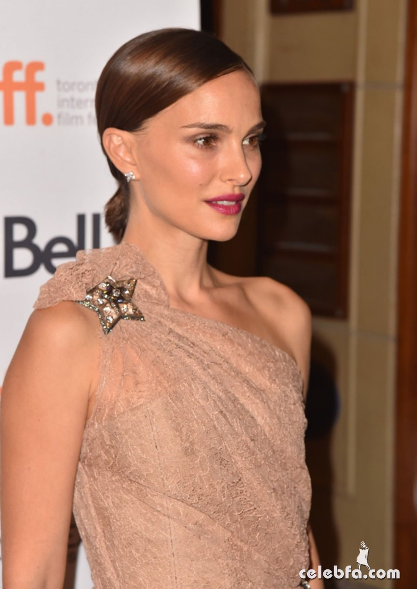 natalie-portman-at-a-tale-of-love-and-darkness-premiere-at-2015-toronto (6)