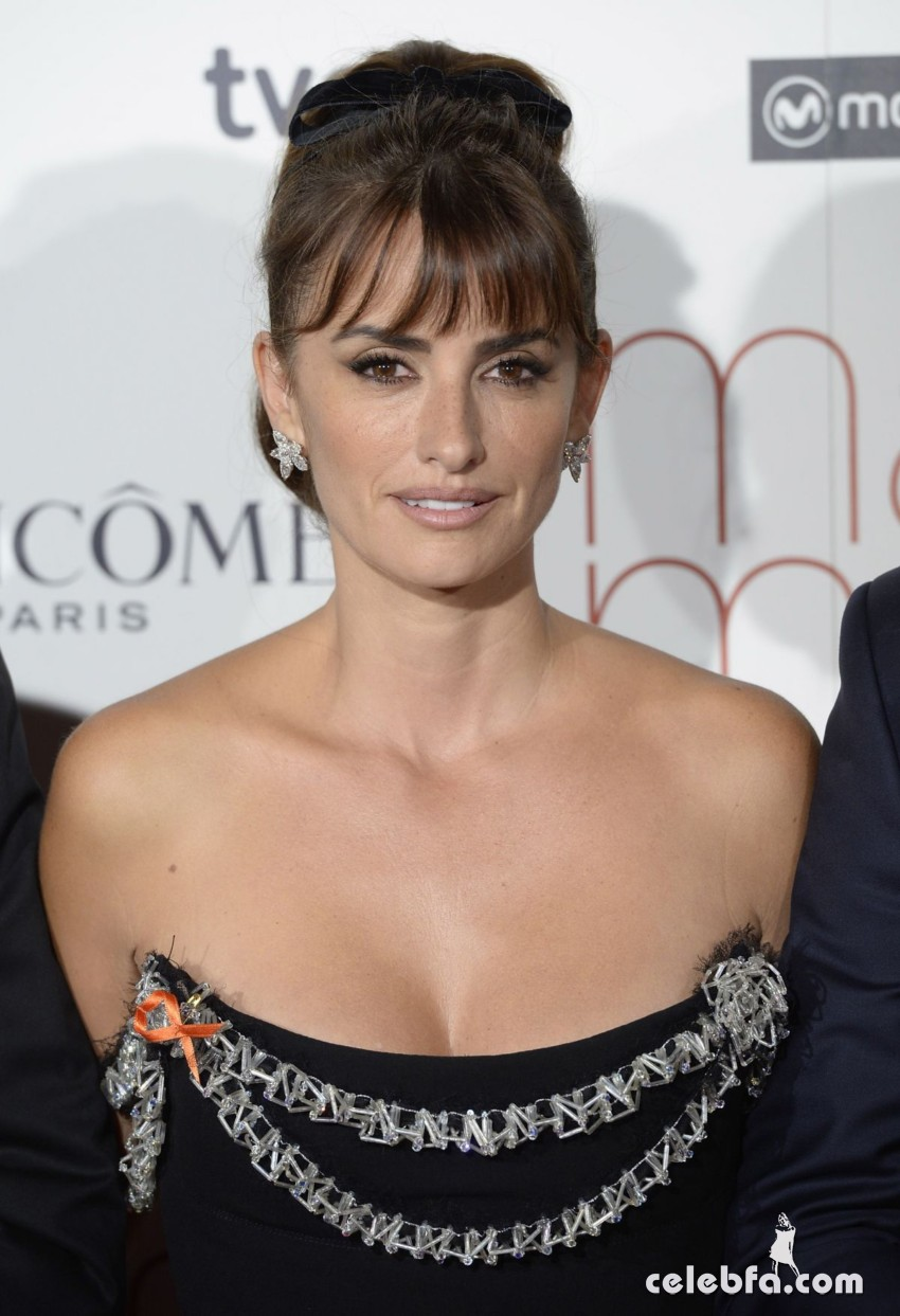 penelope-cruz-at-ma-ma-premiere-in-madrid (2)