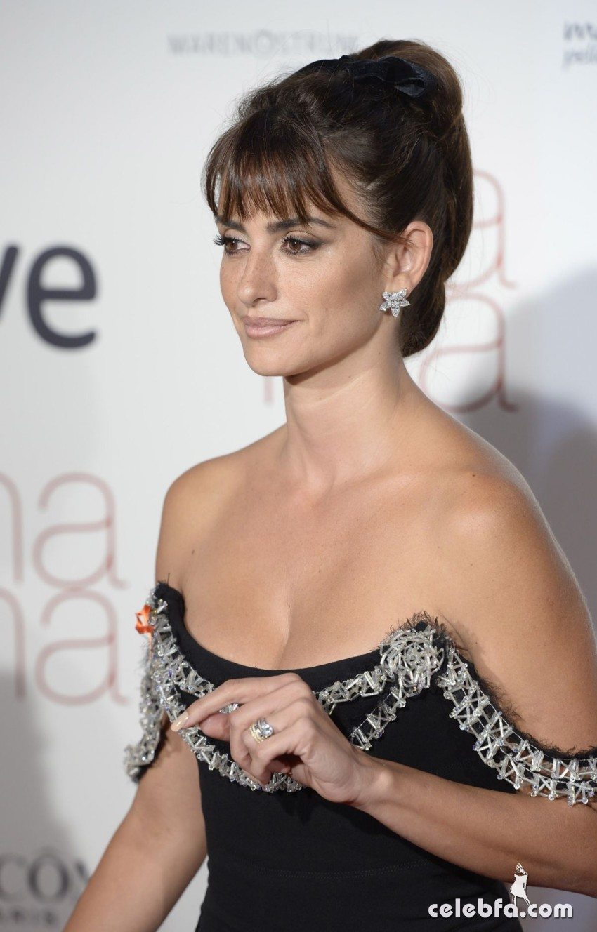 penelope-cruz-at-ma-ma-premiere-in-madrid (3)