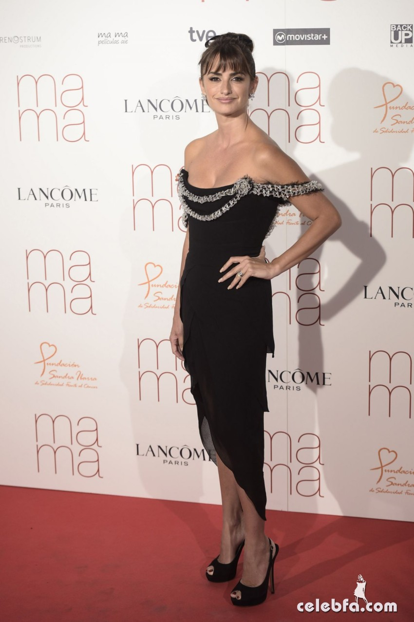 penelope-cruz-at-ma-ma-premiere-in-madrid (4)