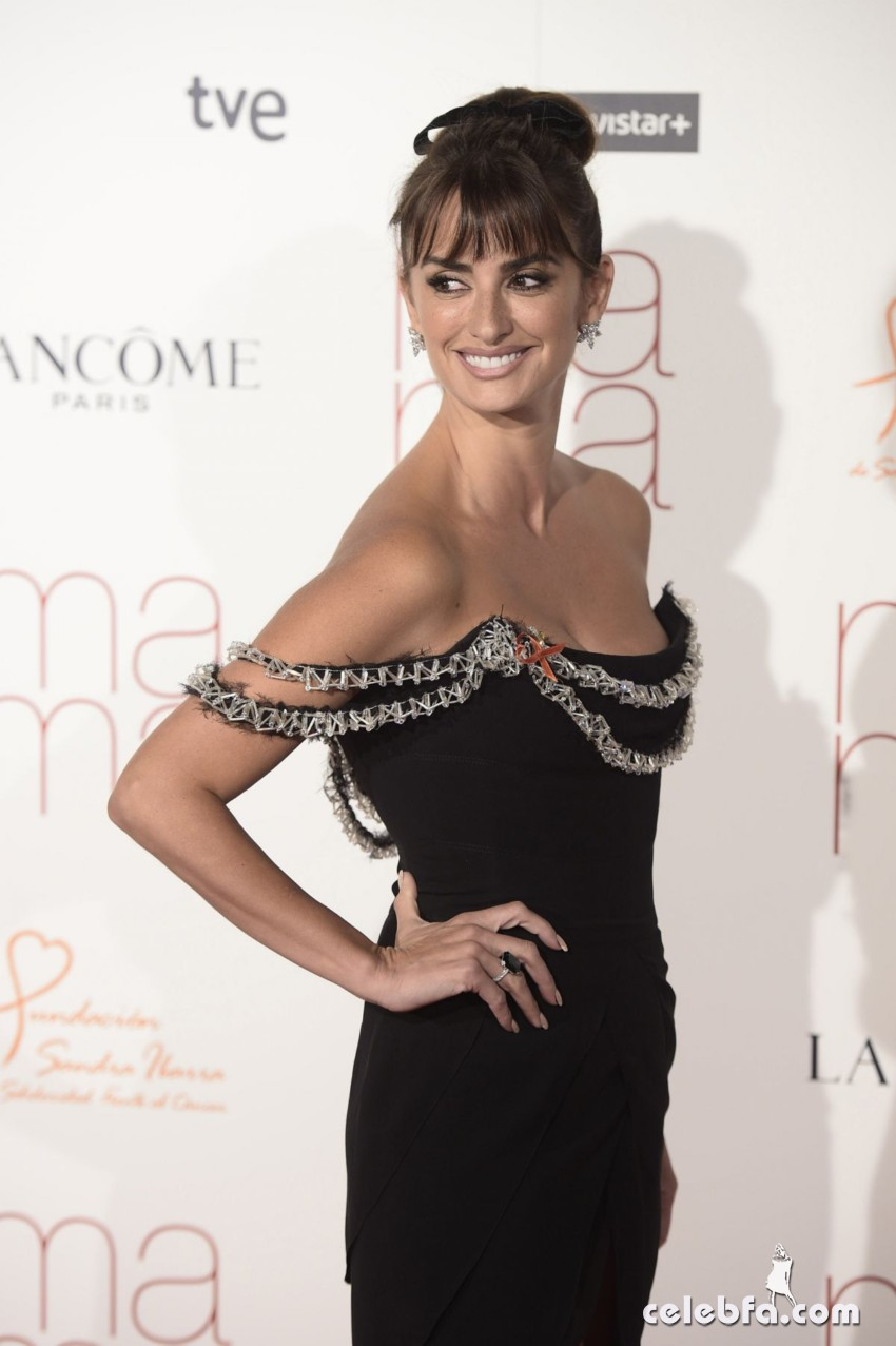 penelope-cruz-at-ma-ma-premiere-in-madrid (6)