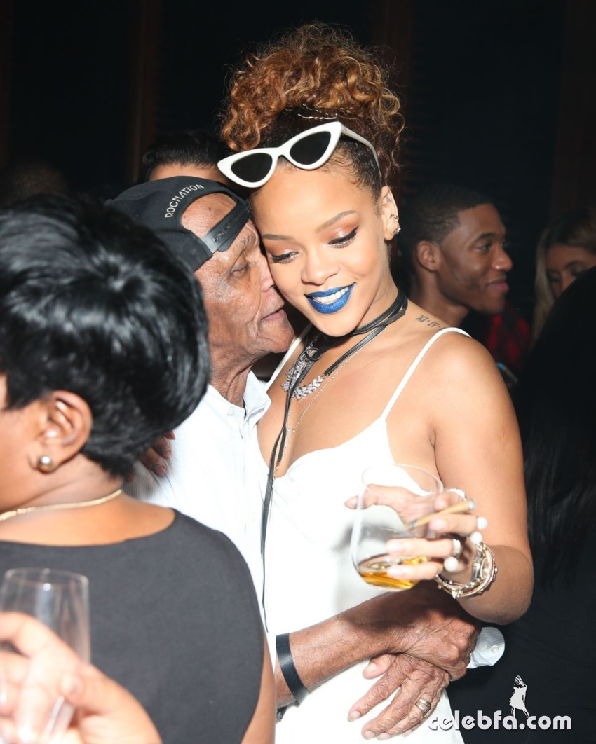 rihanna-at-her-party-at-new-york-edition-in-new-york (1)