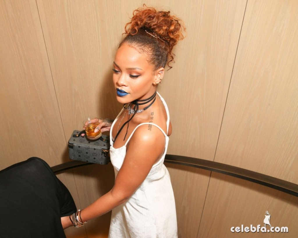 rihanna-at-her-party-at-new-york-edition-in-new-york (6)