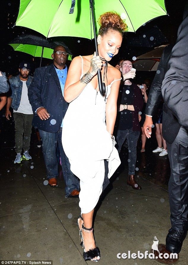 rihanna-at-her-party-at-new-york-edition-in-new-york (7)