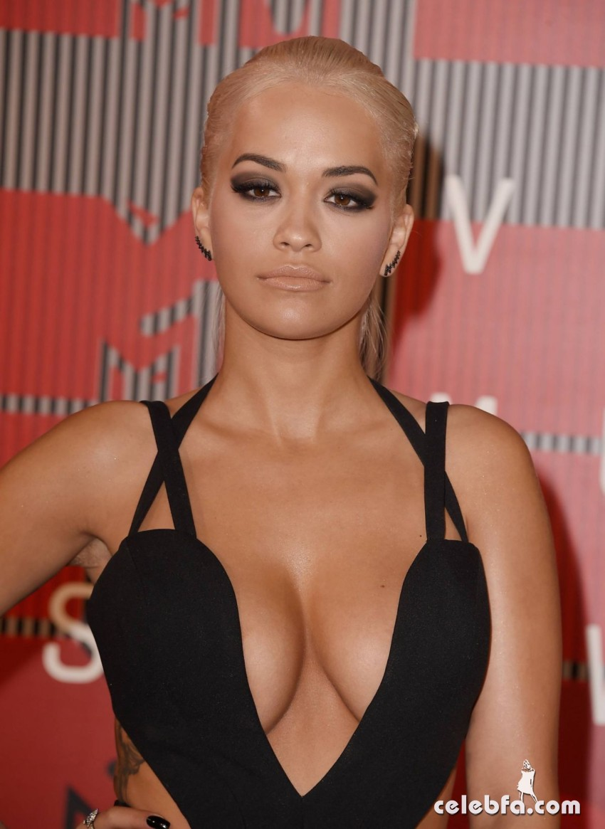 rita-ora-at-mtv-video-music-awards-2015 (1)