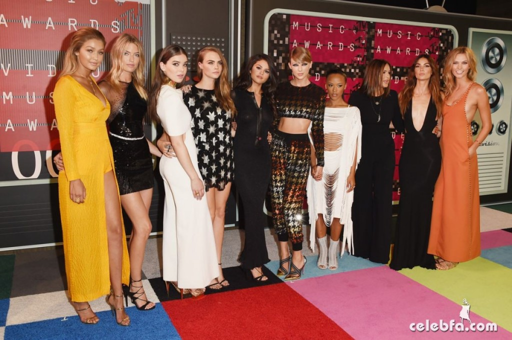 taylor-swift-at-mtv-video-music-awards-2015 (4)