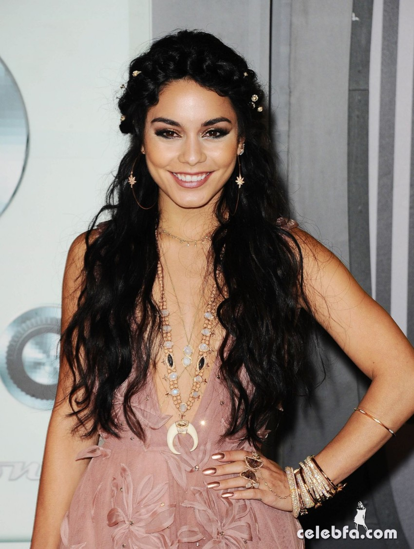 vanessa-hudgens-mtv-video-music-awards 2015 (1)