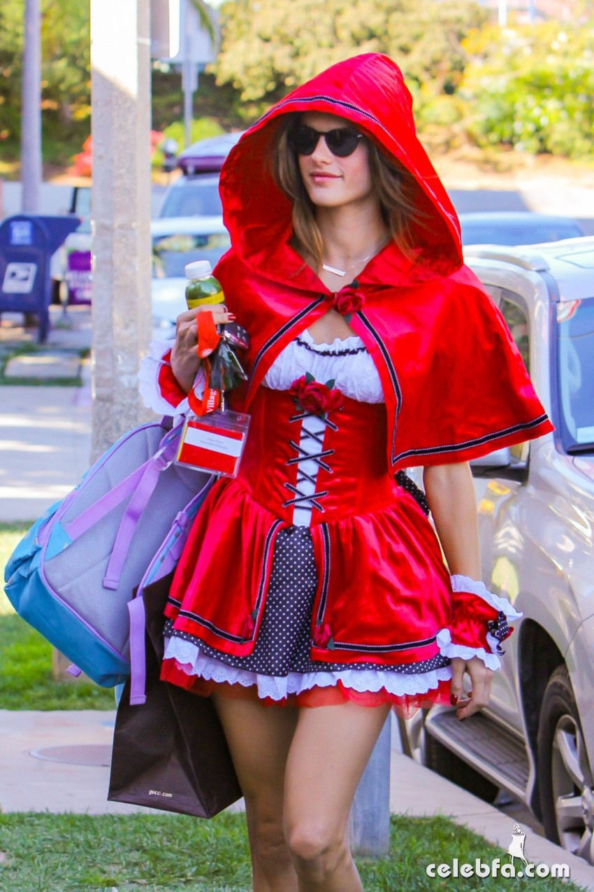 alessandra-ambrosio-as-red-riding-hood-out-in-west-hollywood (5)