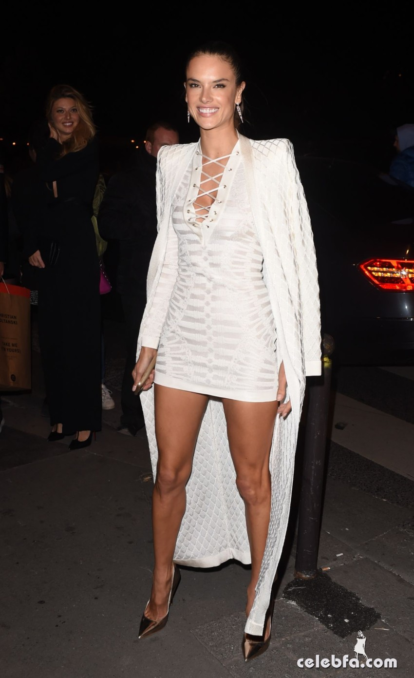 alessandra-ambrosio-at-balmain-fashion-show-after-party-in-paris (2)